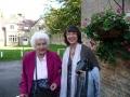 Irma Ernstone ar Paulīni Buchanan pēc dievkalpojuma