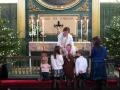 Bērniņi pie Altāra