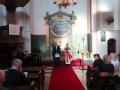 Draudzes mācītāja Elīza Zikmane un prāvests Dr. Andris Abakuks - iesākas dievkalpojums