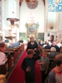 Rūta Abakuka ved bērnus uz svētdienas skoliņu