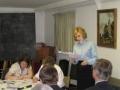 Rietumanglijas un Velsas draudzes ziņojumu lasa mācītāja Elīza Zikmane