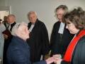 Garīdznieki pēc dievkalpojuma atvadās no baznīcēniem