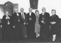 1989. g. 21. oktobrī Rofantā viesojās archibīskaps Kārlis Gailītis no Latvijas.  Bildē no kreisās māc. Elvīra Blūmenfelda-Siliņa, arch. Kārlis Gailītis, Londonas draudzes priekšnieks Jānis Jakars, prāv. Ringolds Mužiks, Vera Mužika, māc. Kārlis Siliņš, Vēra Jakare. (Foto J. Zvirbulis)